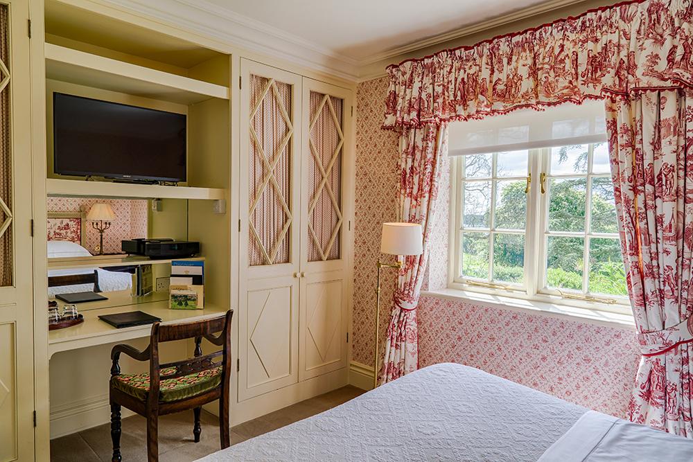 Croquet 2nd Bedroom.