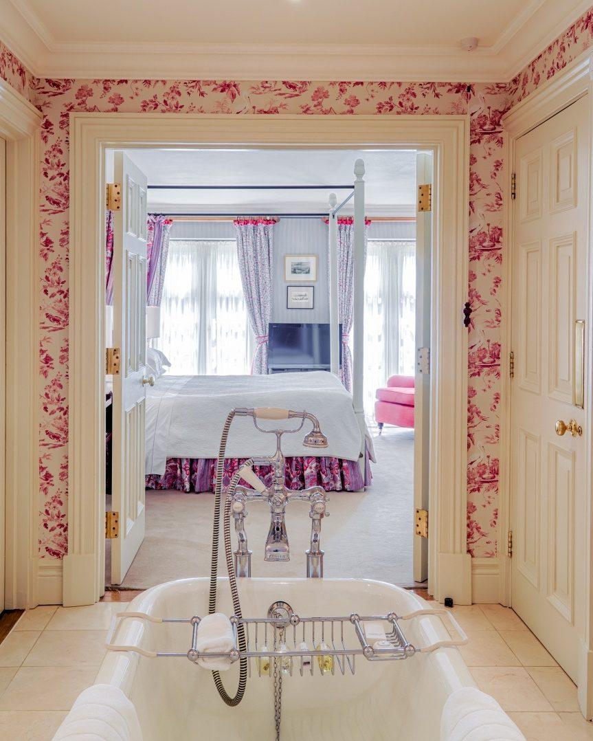 Croquet Bathroom 3