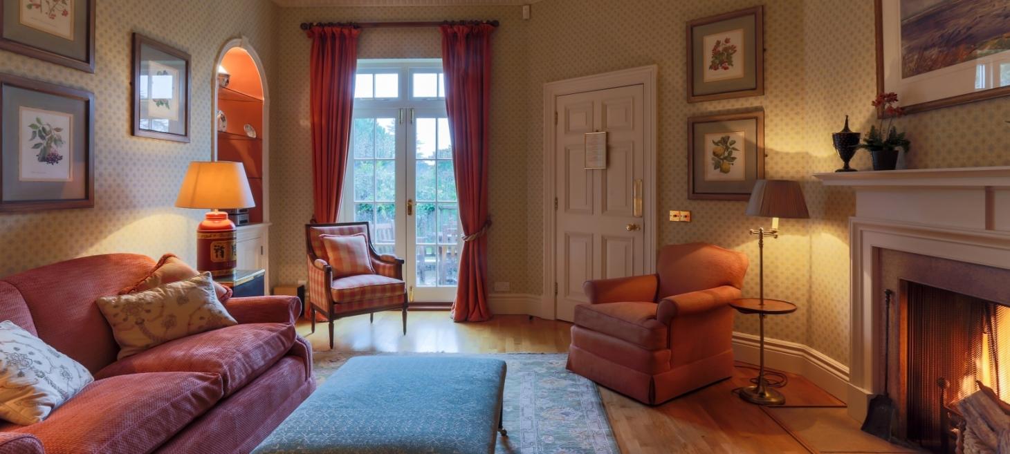 Croquet Pavilion Sitting Room 1460x657 acf cropped